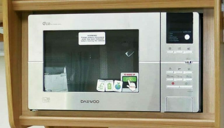 Best Small Caravan Microwave for Camping