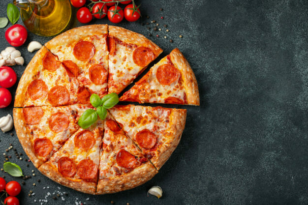 Can I Cook Pizza in Microwave Oven?