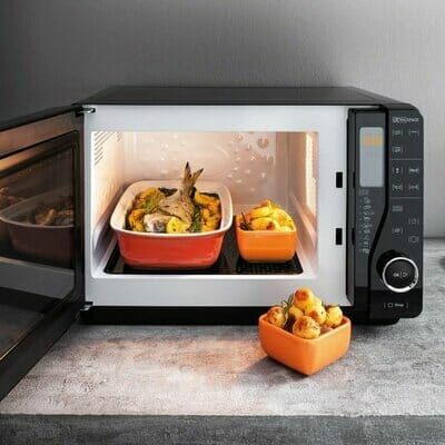 Hotpoint Extra Space Flatbed Solo Microwave
