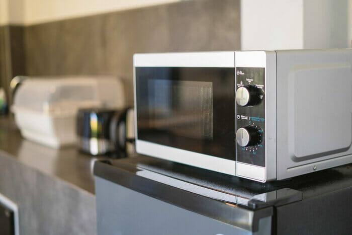 How to Clean a Stainless Steel Microwave