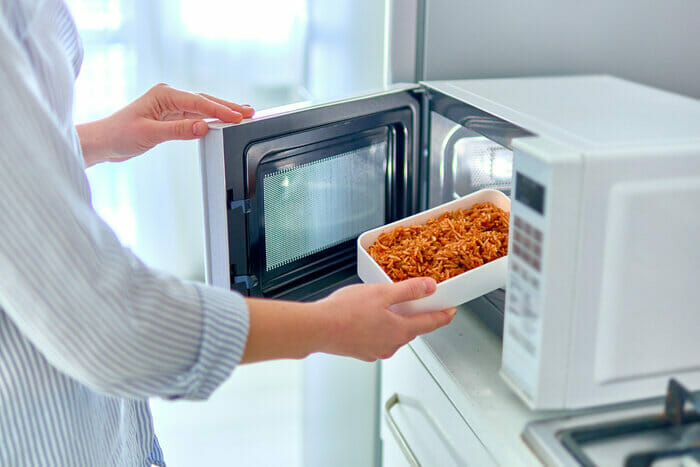 How Does Microwave Defrost Work?